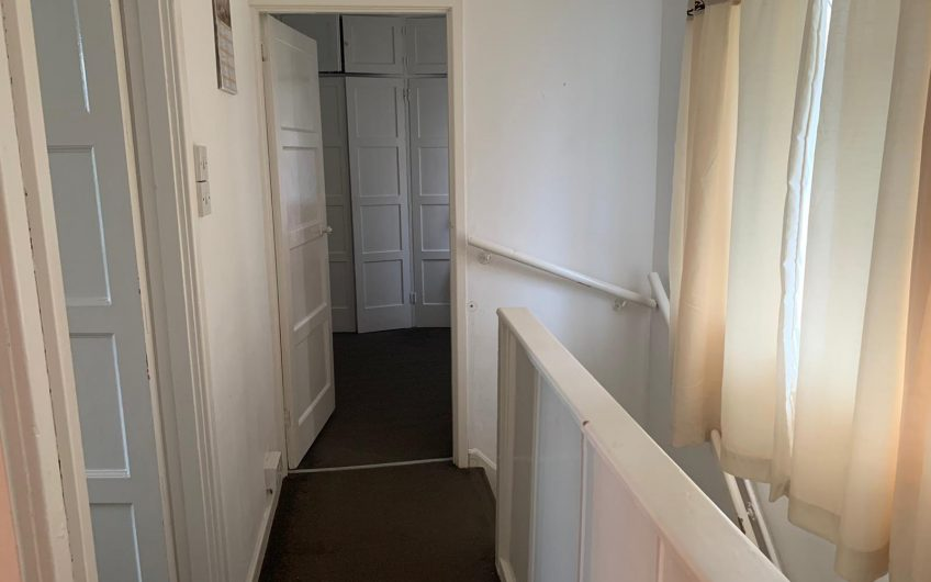 *** LET AGREED***   THREE BEDROOM, COWRIDGE CRESCENT, LUTON LU2